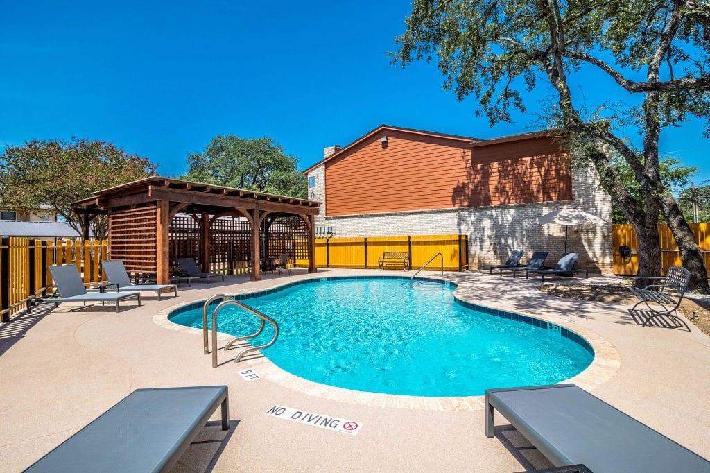 pool-small